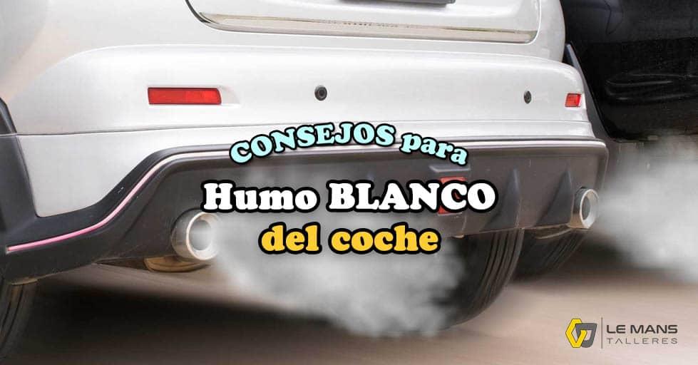 humo blanco de un coche
