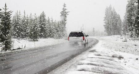 coche carretera frio