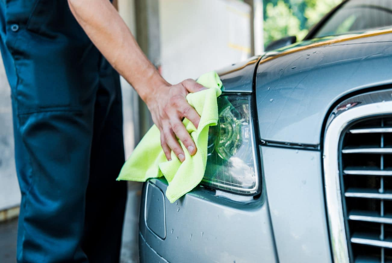 limpiar y cuidar faros de coche